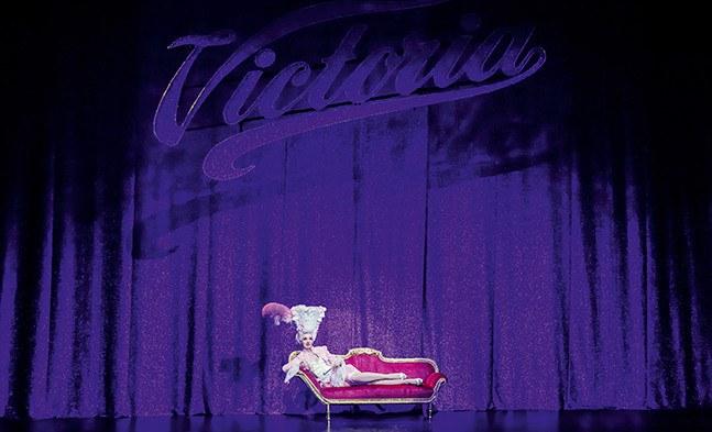 Victor/Victoria (Bettina Mönch) ist eindeutig der Star des Abends!