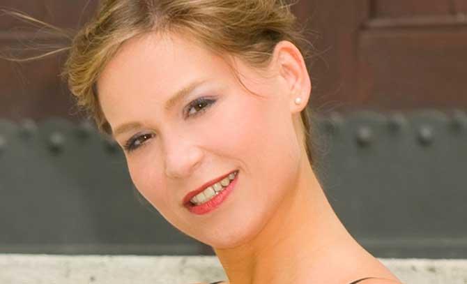 Sopranistin Anita Götz bringt Lieder von Chopin und Schubert
