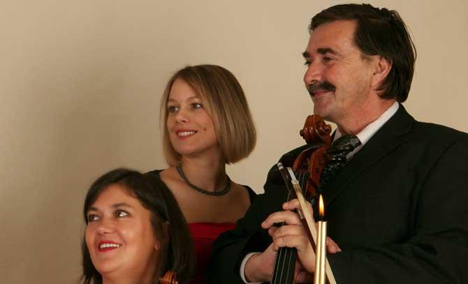 Russische Impressionen mit dem Art Trio Baden: Irina Nikolayeva, Kinga Vass und Imre Csiszér.