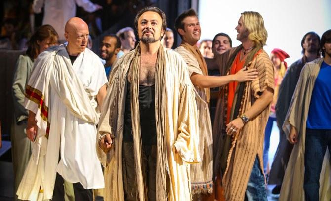 """Darius Merstein-MacLeod ist Jesus, doch er ist nicht mehr """"nur"""" der Messias, er wird von seinen AnhängerInnen als Superstar verehrt. © Christian Husar"""