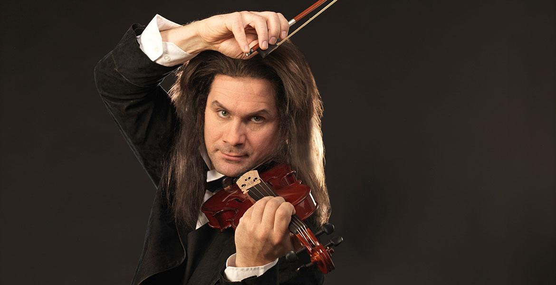 Lehárs Operette, ein musikalisches Denkmal an den italienischen Geiger Paganini, dargestellt von Jevgenij Taruntsov