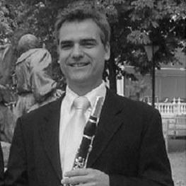Seit 1996 ist Manfred Rindler 1. Solo-Klarinettist an der Bühne Baden.